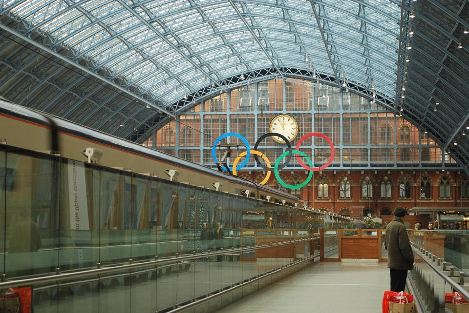 Concourse in the international rail terminal at Saint Pancras