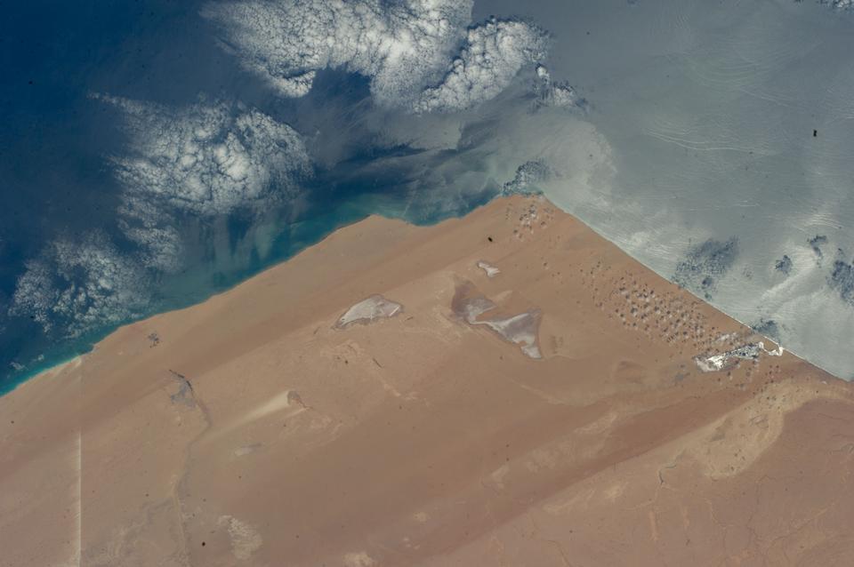 看从国际空间站西撒哈拉