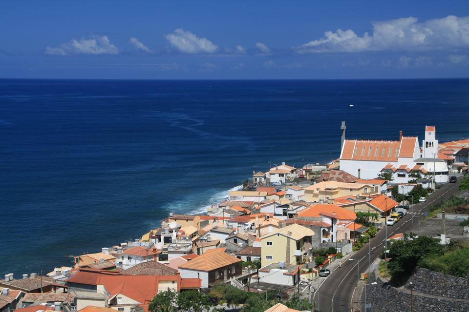 ポールの町はマデイラ島、ポルトガルで月を行う