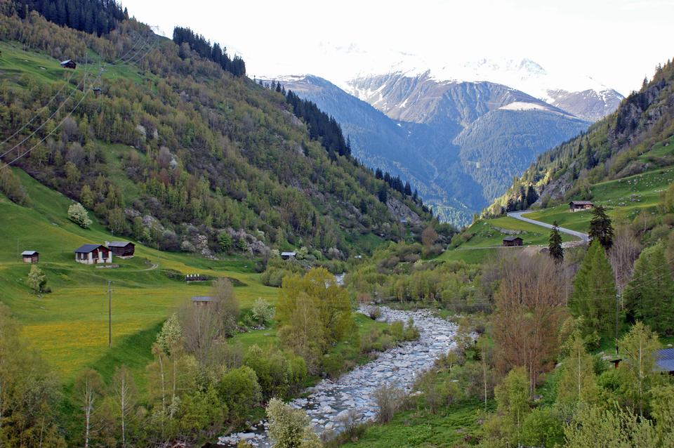 Bella vista da Fluela Pass vicino Davos, Grigioni, Svizzera