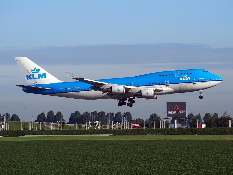 オランダ航空ボーイング747から406、スキポール空港の着陸