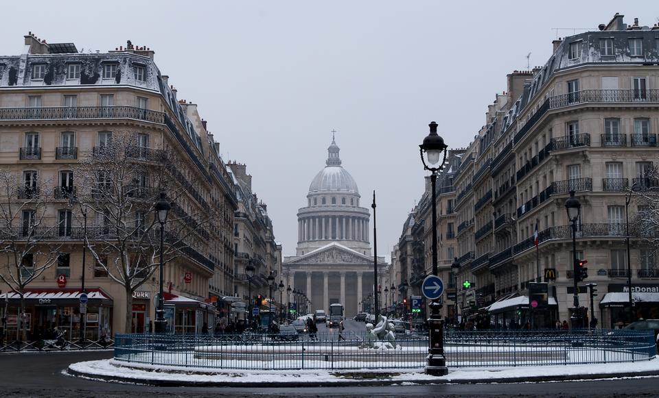 将爱德蒙罗斯坦德和万神殿在法国