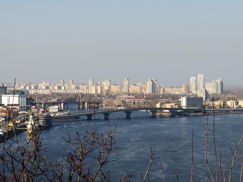 Naberezhno-Khreshchatytska 거리 키예프