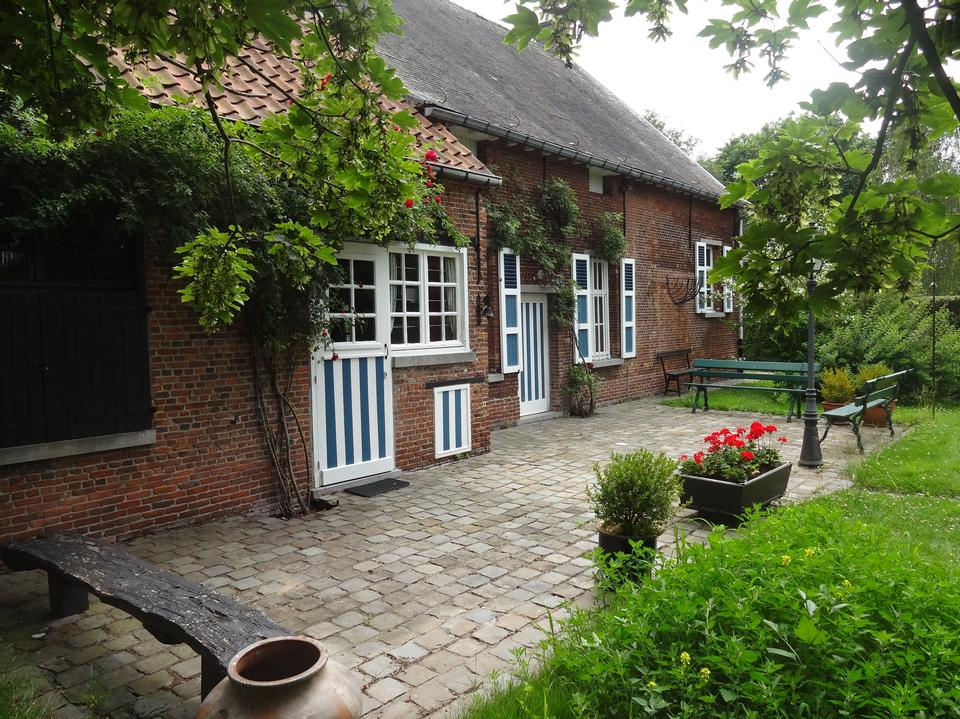 Picturesque small garden in backstreet in Netherlands