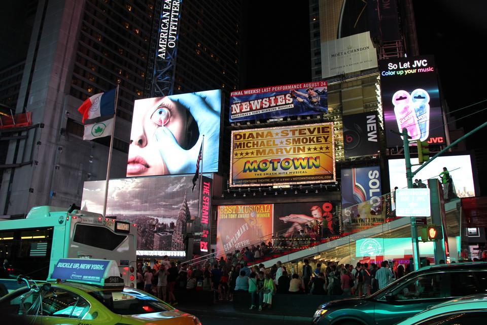 时代广场百老汇剧院LED招牌