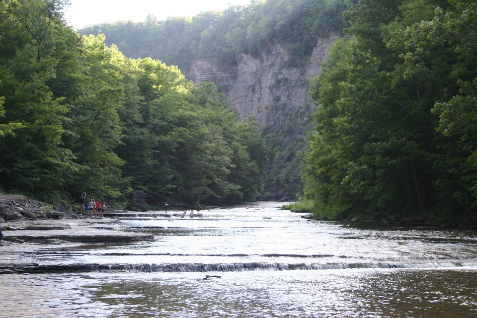 Path to Taughannock Falls State Park in der