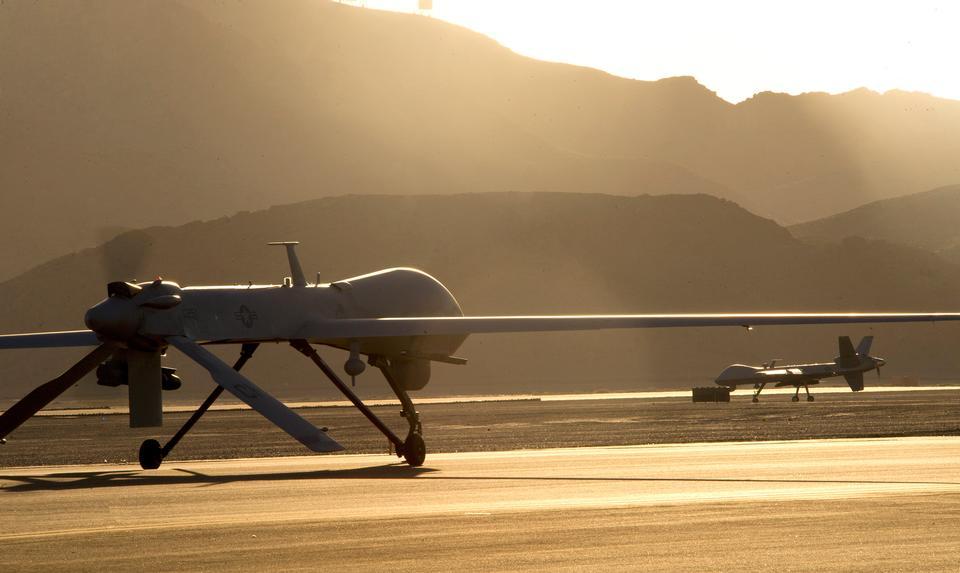Una preparación MQ-1B Predator para el despegue