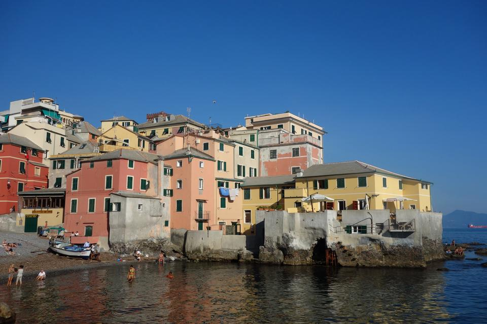 抵达Boccadasse,热那亚,意大利
