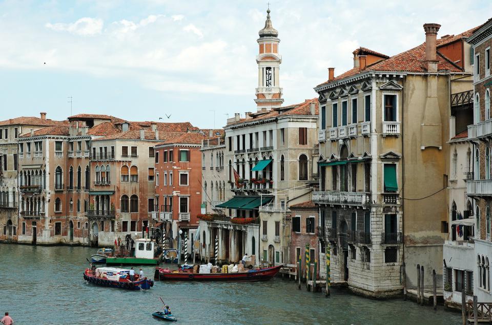 Canal Grande e la chiesa Chiesa Santi Apostoli, Venezia