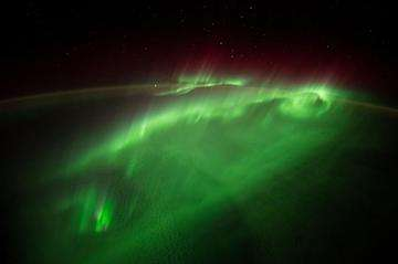 Download grátis imagem de alta resolução - Voando Através de uma Aurora