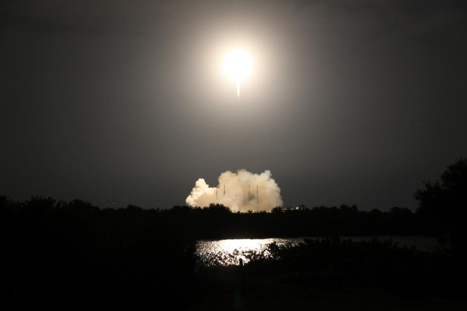 Liftoff of SpaceX Resupply Mission