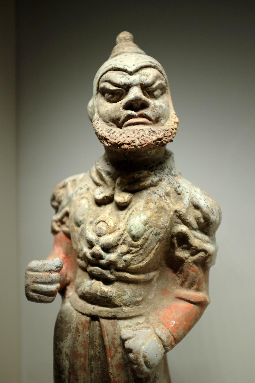 Guerrier asiatique en temple de Famen