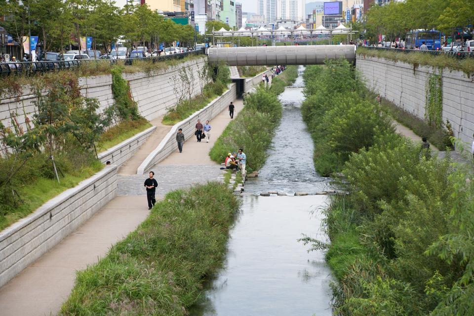 清渓川はソウル、韓国をストリーミング