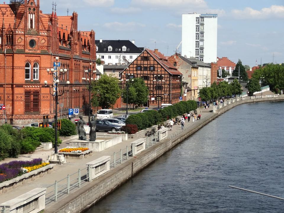 View of the Brda River and historical building in Bydgoszcz