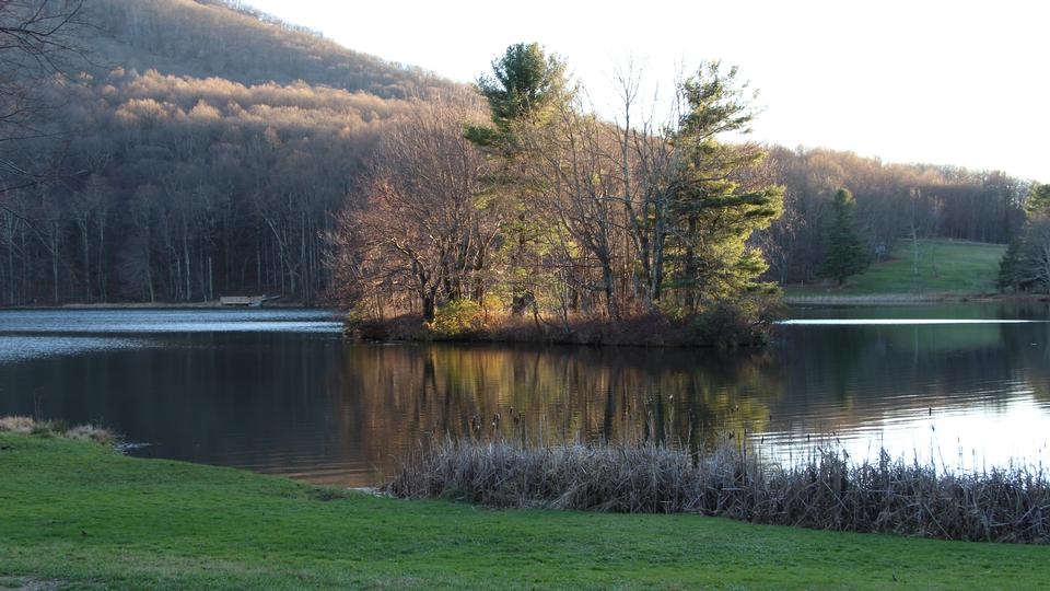 Abbott Lake on the Blue Ridge Parkway in Virginia