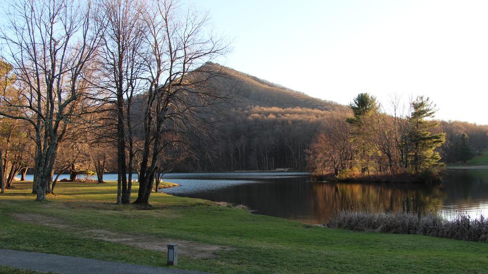 Abbott Lake auf der Blue Ridge Parkway in Virginia