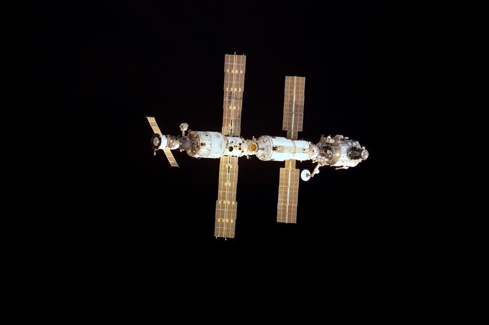 國際空間站在遠征的開始