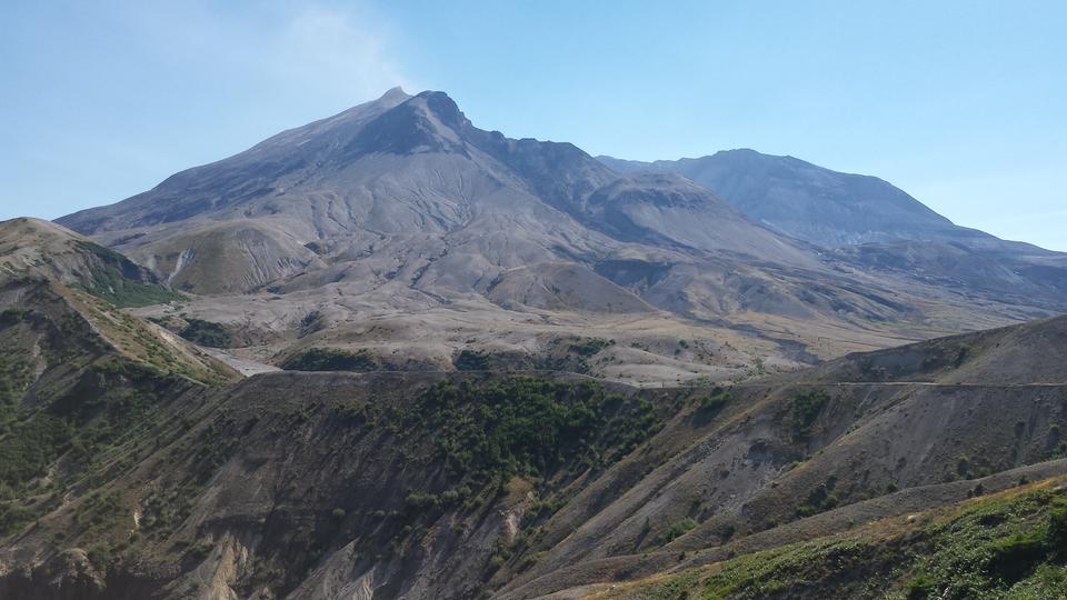 A Beautiful view of Mt Saint Helens