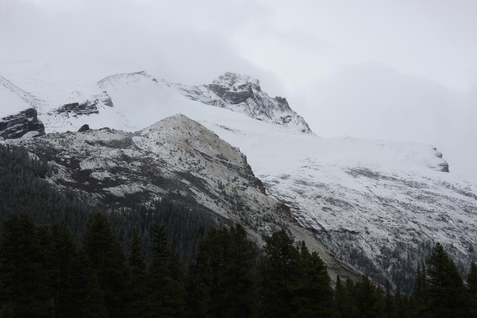 玛琳湖和玛琳山,碧玉,加拿大落基山脉