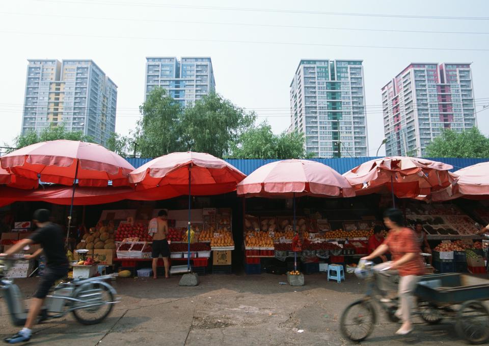 Markt und einer der belebtesten Flohmärkte