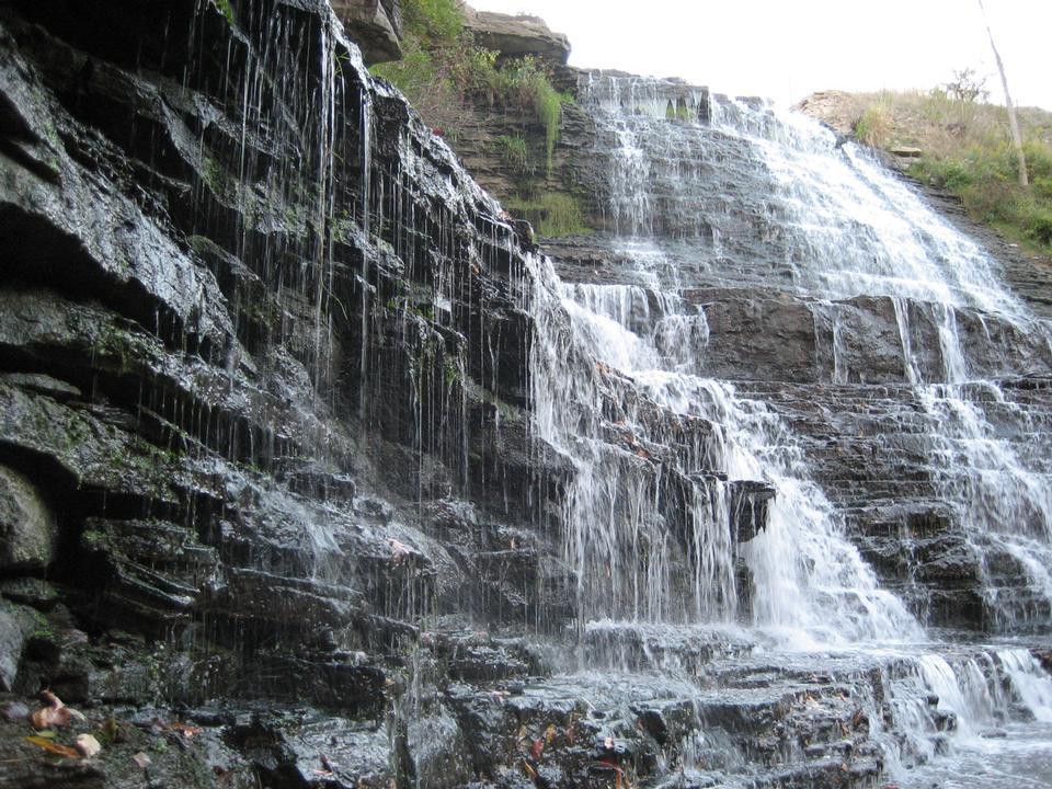 阿爾比恩瀑布,漢密爾頓,ON