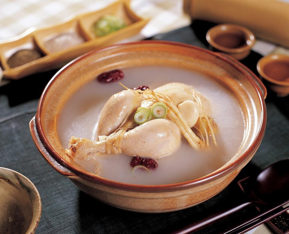 Traditionelle korea food-Ginseng Hühnersuppe