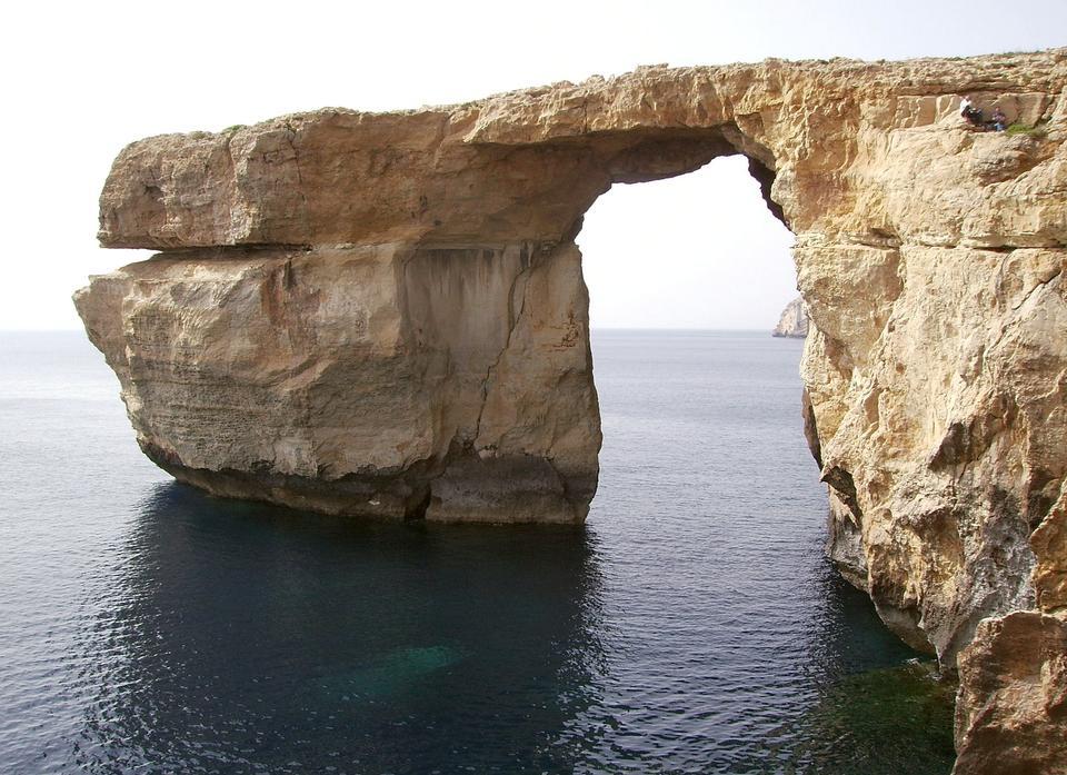Azure的窗口在夏天,马耳他