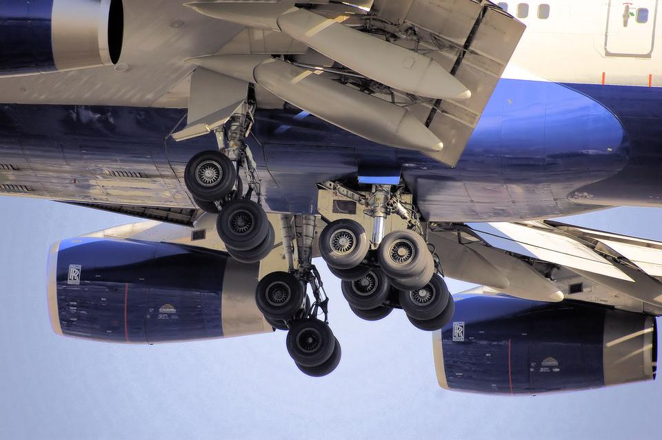 landing gear of a Boeing 747-400