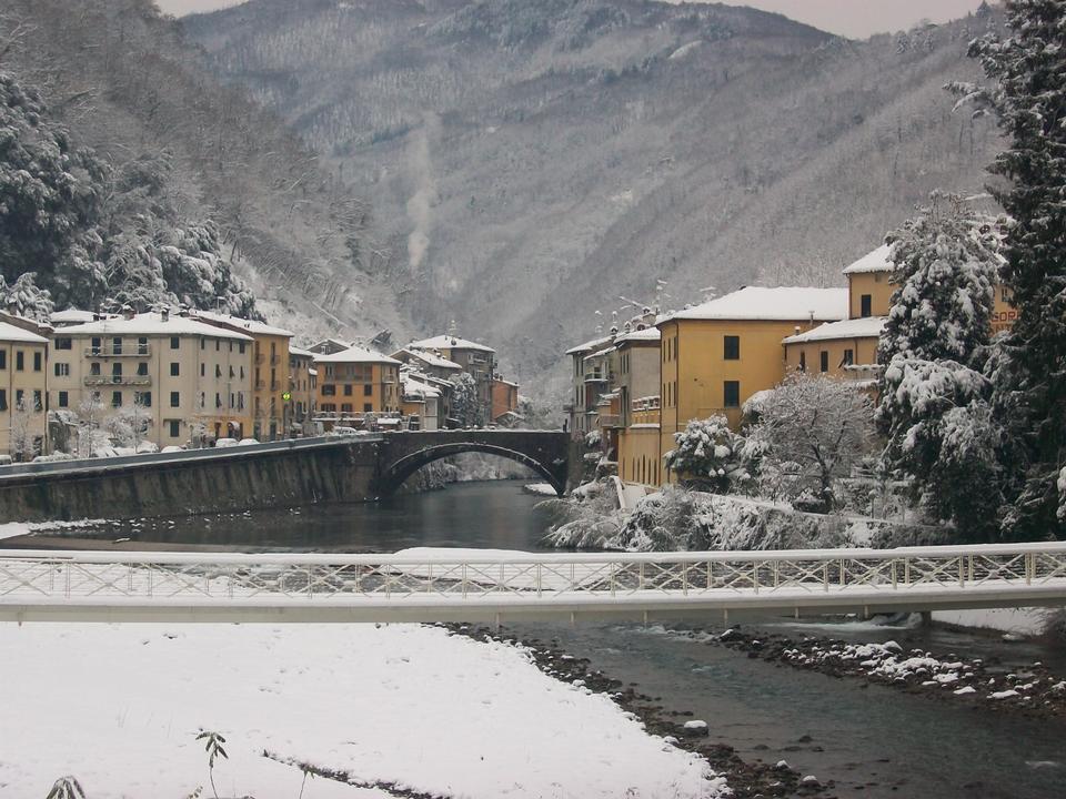 Ponte della Maddalena a Bagni di Lucca, Toscana, Italia