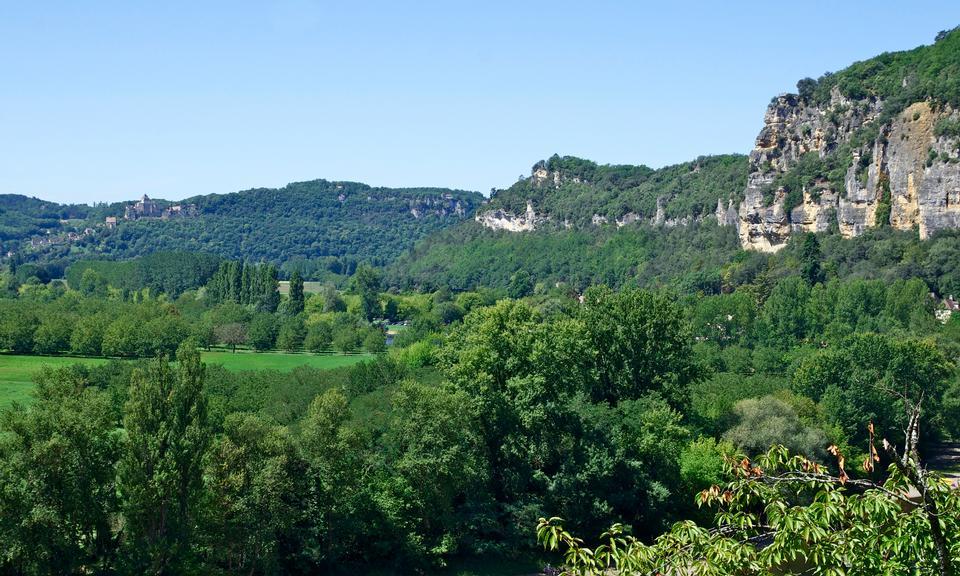 在多尔多涅河,法国宁静的景象