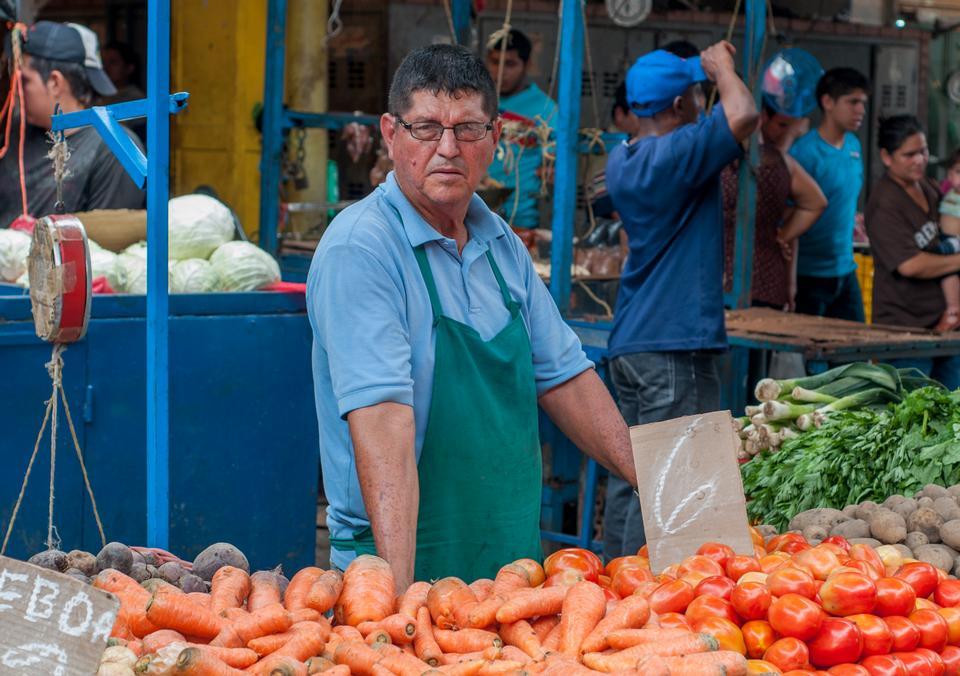 Mercado tradicional calle