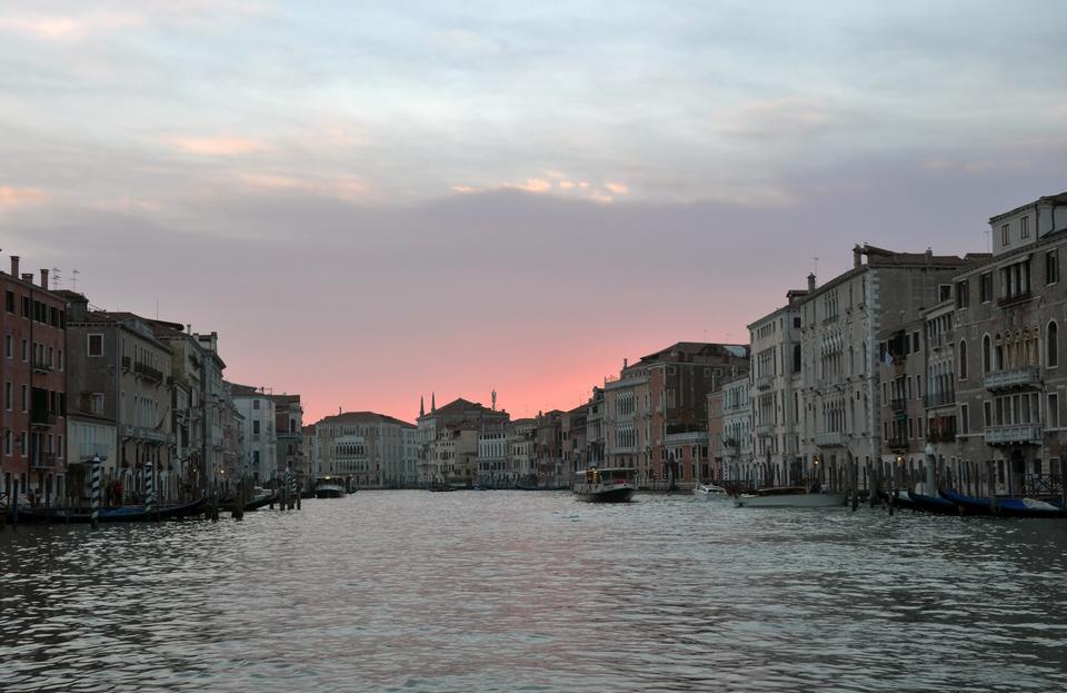 在威尼斯暮光之城距离Campo della Salute的。