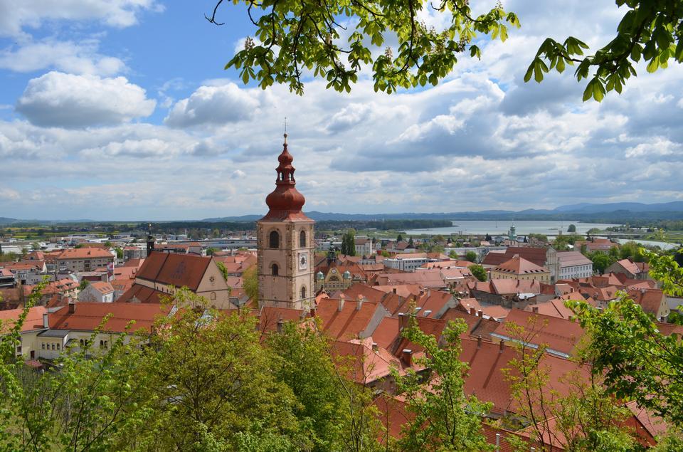 教堂和老城區斯洛文尼亞鎮