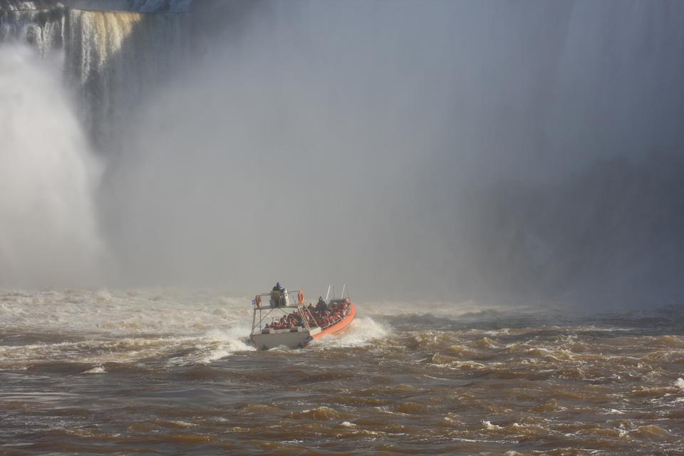 Катание на лодке Iguaza водопад Аргентина сторона