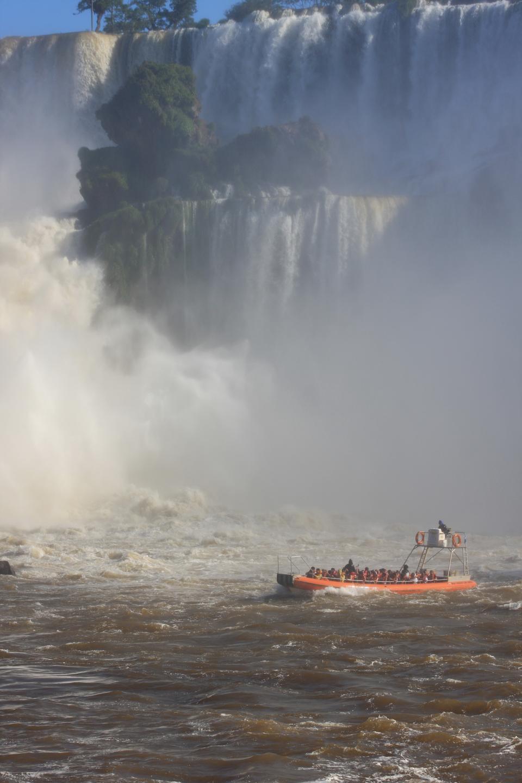 Boat tour Iguaza Falls Argentina side