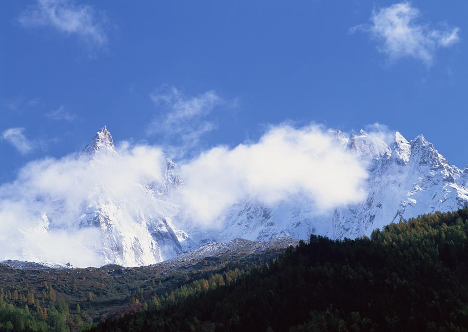 山地景觀雪