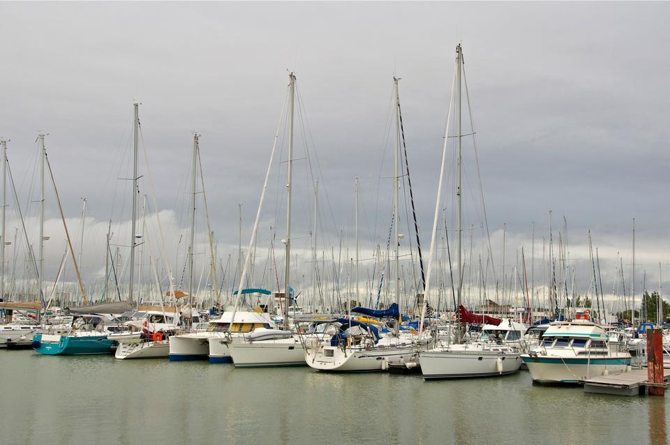 帆船在港口的Minimes宮,法國拉羅謝爾,