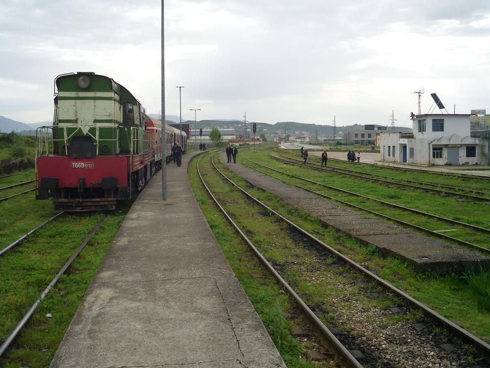 阿爾巴尼亞鐵路旅客列車