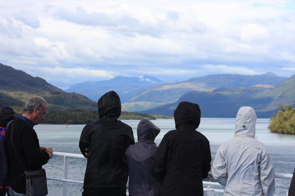 在邮轮峡湾智利