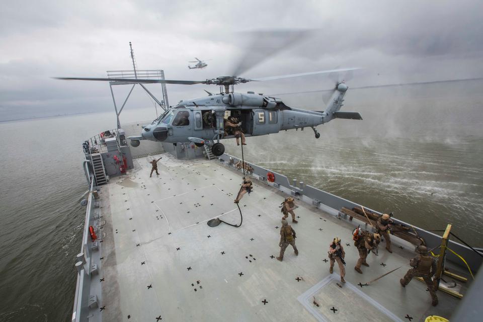 Marines estadounidenses asignados a Force Pelotón de Reconocimiento
