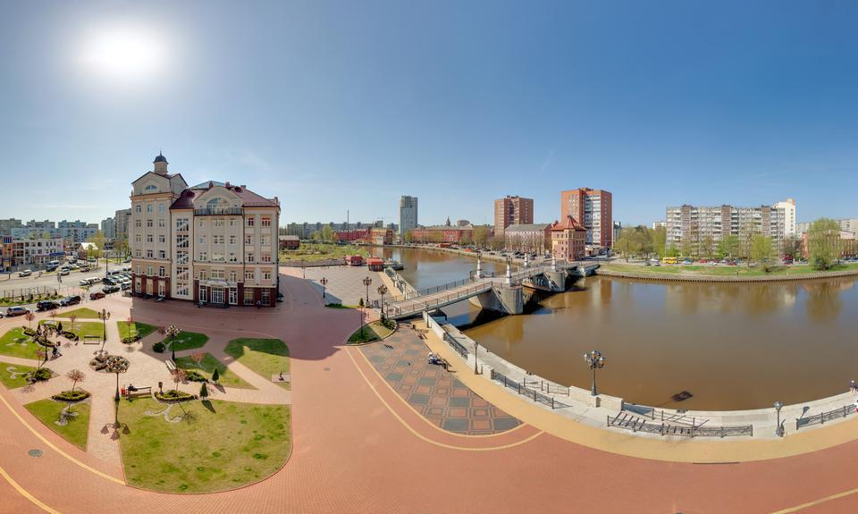 la calle Jubilee Epronovskaya puente, Kaliningrado