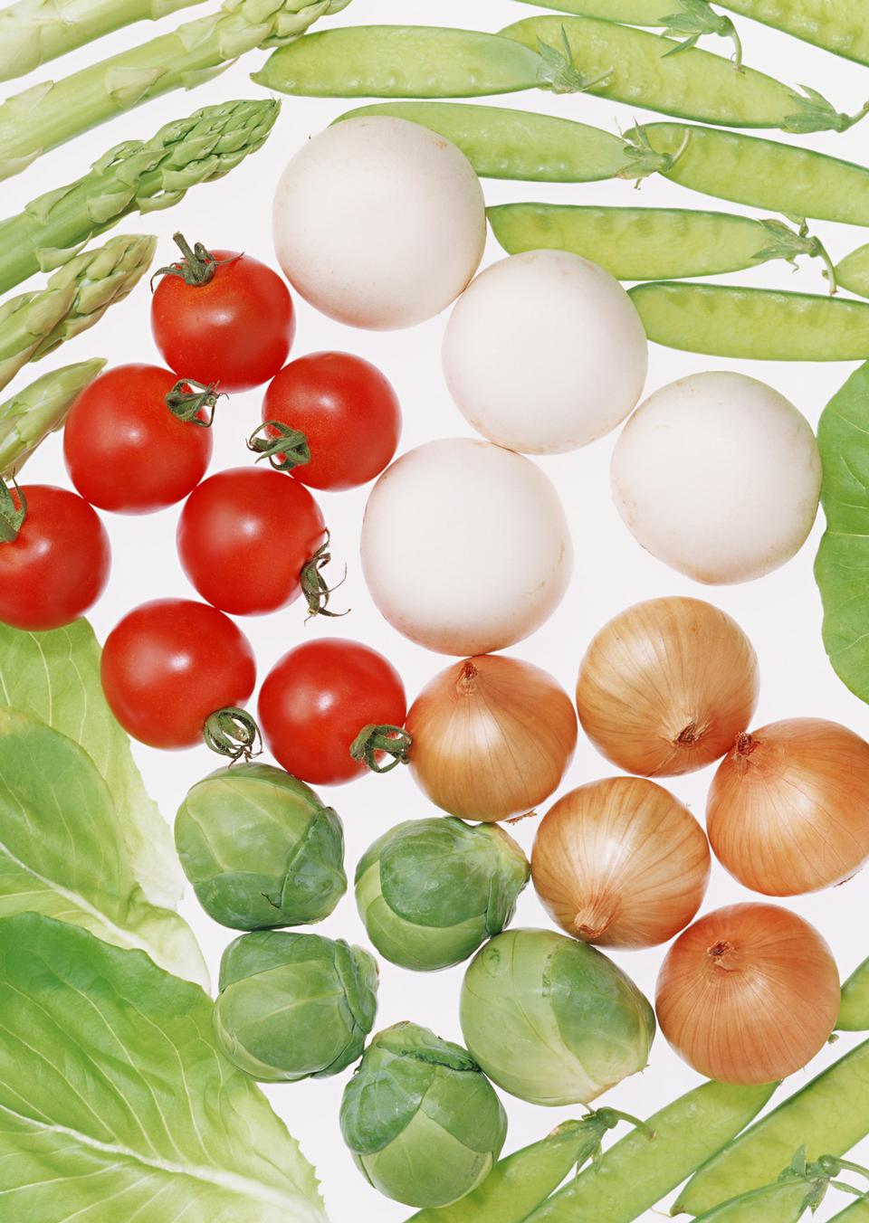 背景从大量的新鲜番茄和蔬菜制成