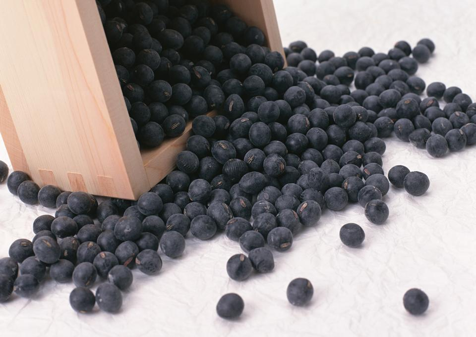 Black beans on wooden box