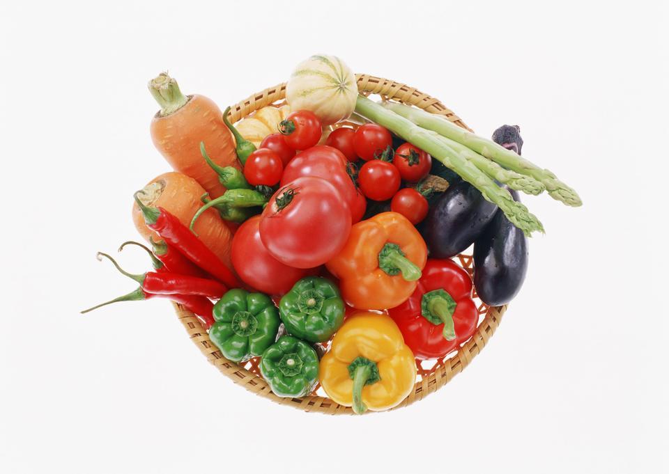 新鮮な野菜のある静物