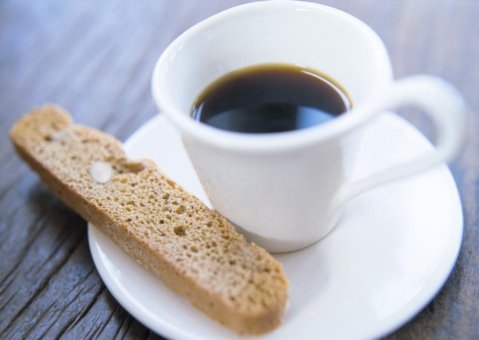 与咖啡木地板面包棒