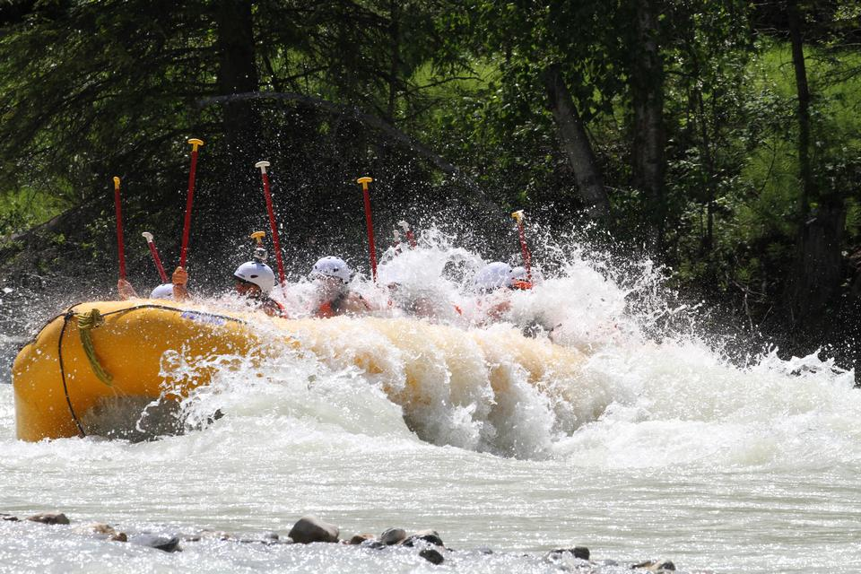 Whitewater rafting sul fiume Fraser