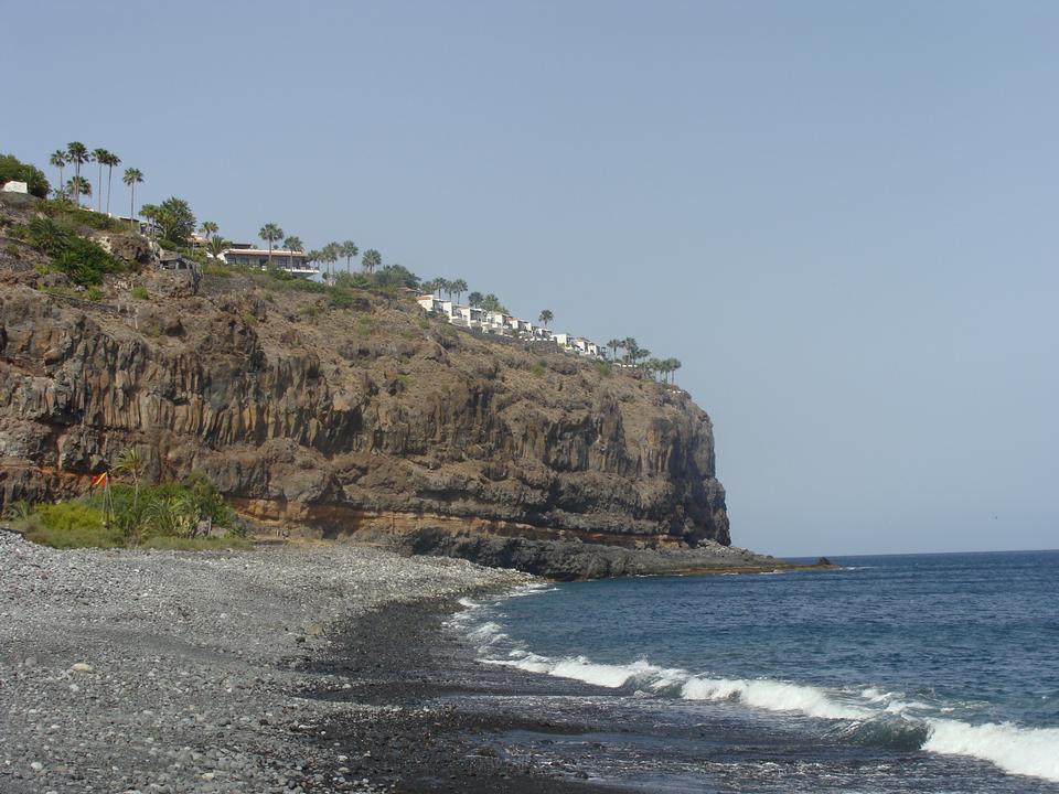 テネリフェ島サンタカタリナビーチや山々の景色