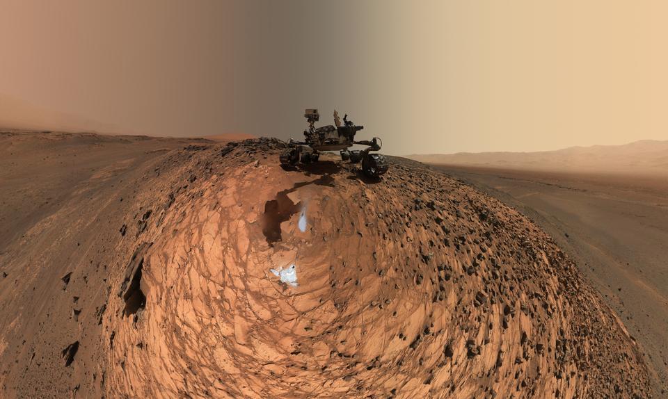 Curiosity Low-Angle-Selbstporträt