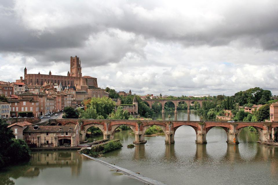 八一桥和圣教堂塞西尔阿尔比,法国查看