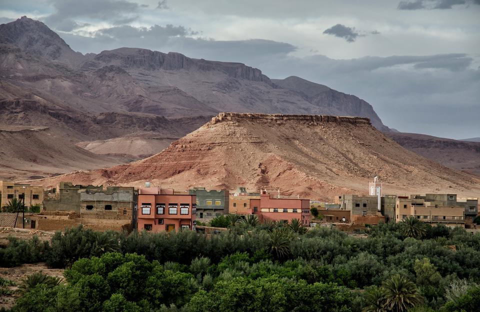 モロッコ。アトラス山脈の市Tinghir